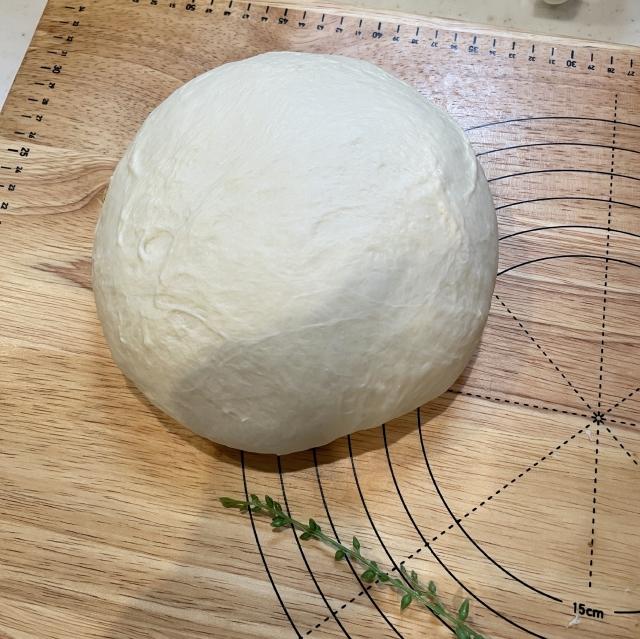 二斤の食パン型で焼くあんこ入り食パン3