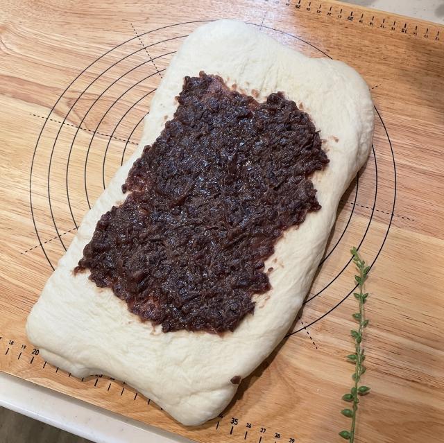 二斤の食パン型で焼くあんこ入り食パン5