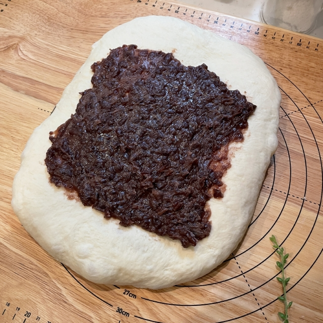 二斤の食パン型で焼くあんこ入り食パン7