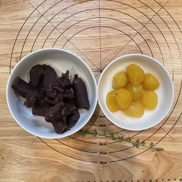 和風スイーツには欠かせない栗の甘露煮と抹茶のあんぱん4