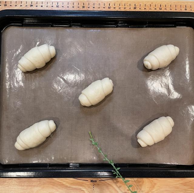 すべてのパンレシピの基本になる定番のバターロール12