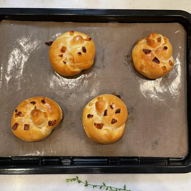 爽やかオレンジの酸味と甘みが広がるワンノットオレンジピールパン13