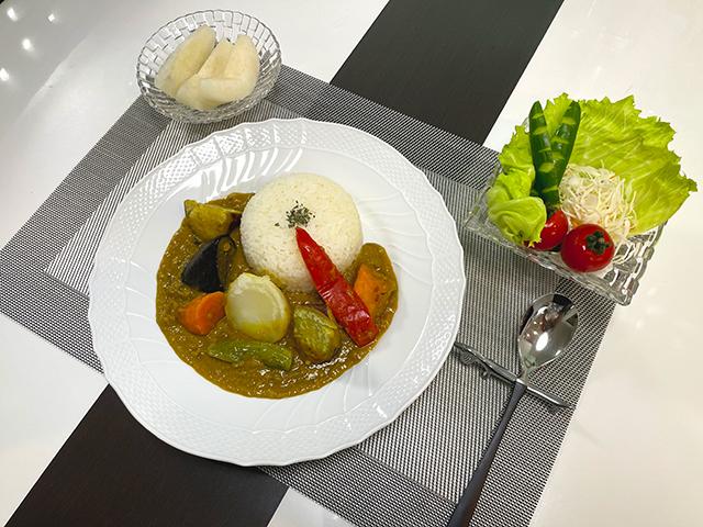 外国の本格派カレーを自宅で楽しむゴロゴロ野菜の野菜カレー1