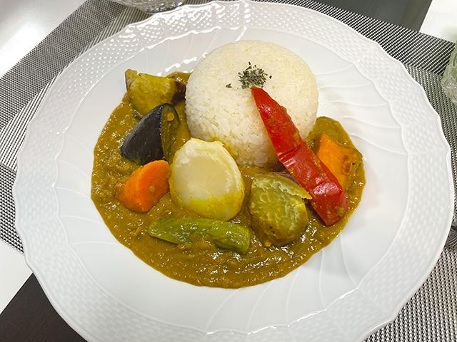 外国の本格派カレーを自宅で楽しむゴロゴロ野菜の野菜カレー2